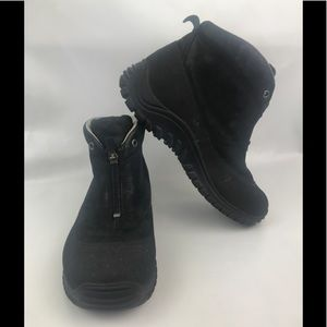 UGG Gore Tex Vibram Ankle Snow Boots Sz 8